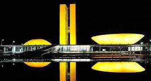 Congresso Nacional iluminado para o Setembro Amarelo